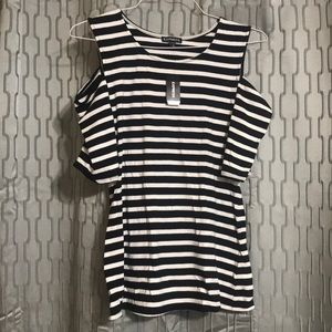 Express T-shirt never worn